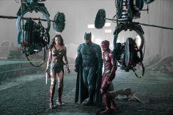 """""""O que são estas coisas? Mais artefatos de Darkseid?"""""""
